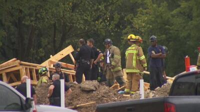 Al menos tres personas atrapadas tras el desplome de un edificio de tres pisos en construcción