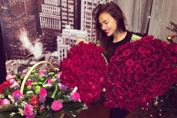 El día de su cumpleaños la modelo recibió varios arreglos florales, pero...