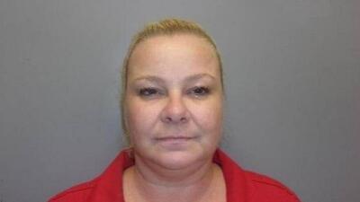 Crystelle Yvette Baton le dijo al agente que había ganado cinco d...