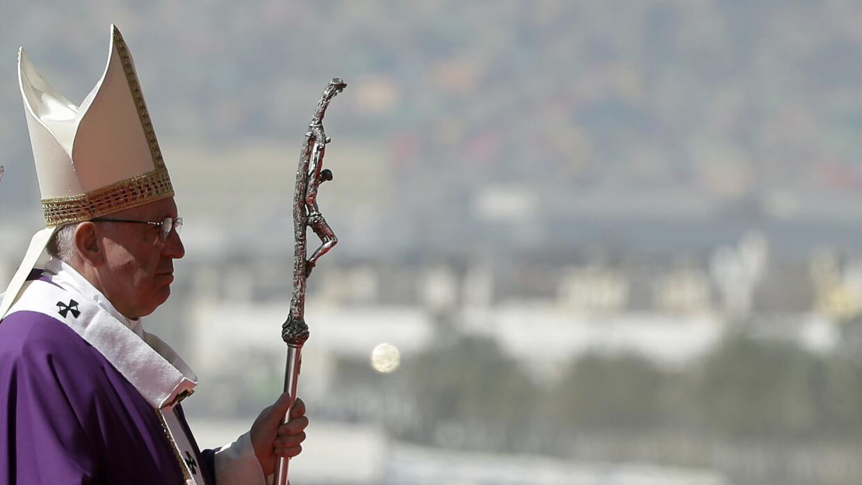 El papa Francisco celebra la misa en en Ecatepec, México, el domingo 14...