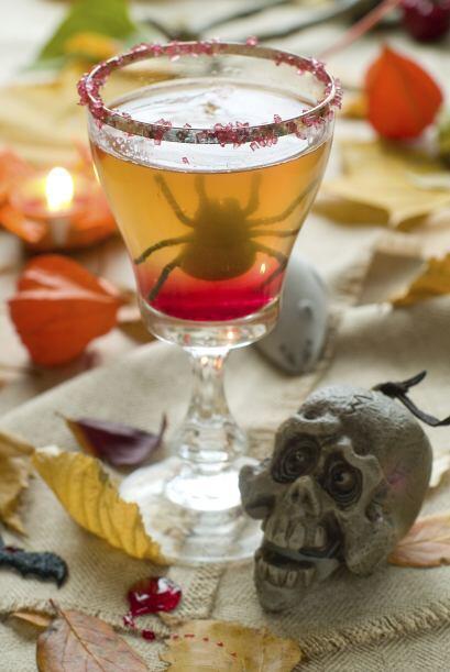Cómo mezclar Servir en un vaso 'Old Fashioned' o vaso bajo para coctel e...