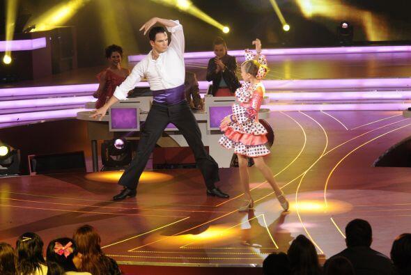 Julio Camejo se adaptó bastante bien a bailar con Nicole, aunque fuera m...