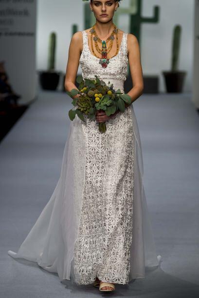 Los vestidos de novia que Lydia Lavin diseña quedarían perfectos para ma...
