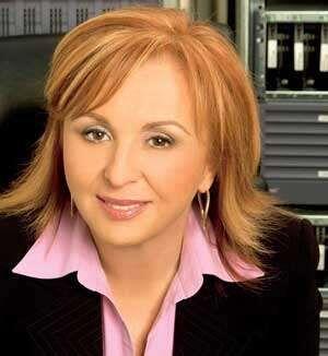 6. Blanca Treviño. La Presidenta y CEO de Sofftek hizo que, bajo su lide...
