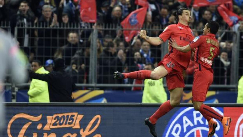 Ibrahimovic hizo un doblete para revalidar el título de la Copa Francesa...