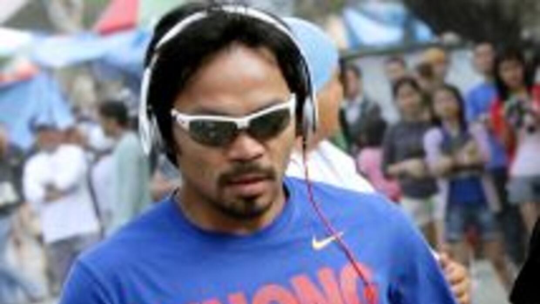 Manny Pacquiao s eentrena para Timothy Bradley.