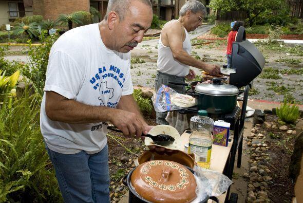 Tradicionalmente, los tacos se preparan con tortilla de maíz, pero tambi...