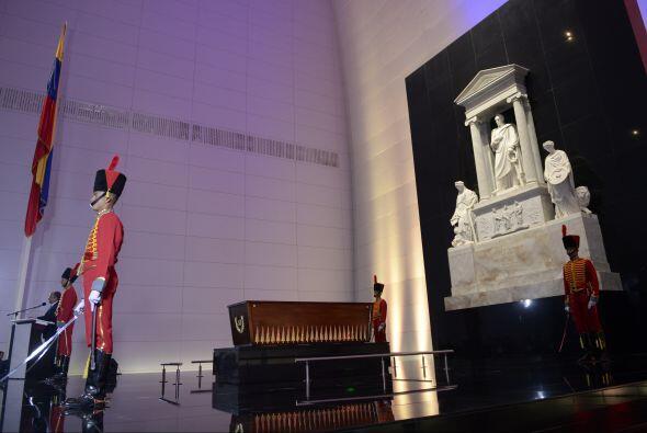 El presidente de Venezuela, Nicolás Maduro, inauguró el mausoleo en el q...