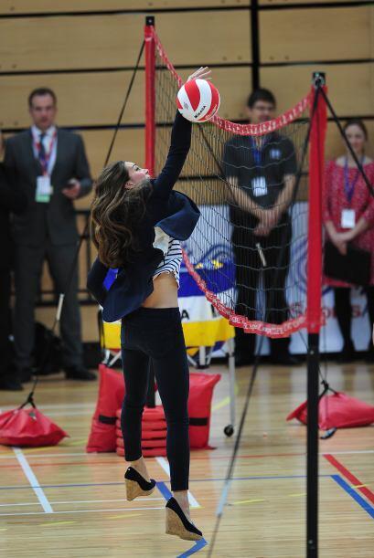 No importa el ángulo, Kate supo terminar con la pancita post parto.