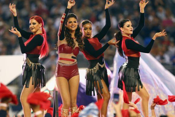 Selena Gómez hizo las delicias de la afición de los Dallas Cowboys al ca...