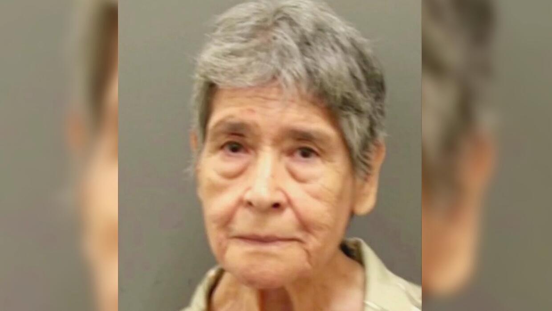 Mujer de 81 años puso en jaque a la policía al protagonizar una persecuc...