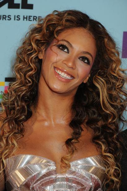 Beyoncé Es la cantante más poderosa en la lista, en la posición 17.  Vot...