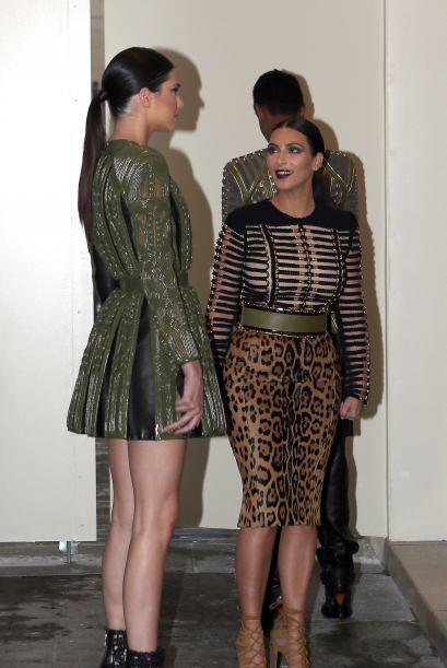 Además de ese encantador vestido azul que usó para ver a Valentino, Kim...
