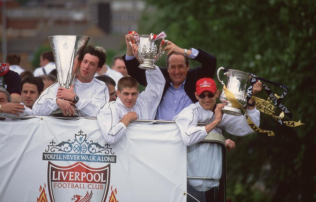 Steven Gerrard: 19 datos en 19 años de carrera ejemplar Titulos 2001.jpg