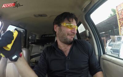 Jaime Gabaldoni rompe vidrio