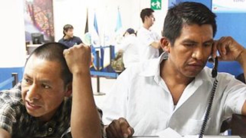 Un alto porcentaje de inmigrantes estafados por faltos tramitadores term...