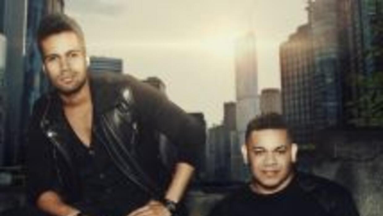 Ronny Mercedes y Gio D'oleo debutaron en el primer lugar de ventas digit...