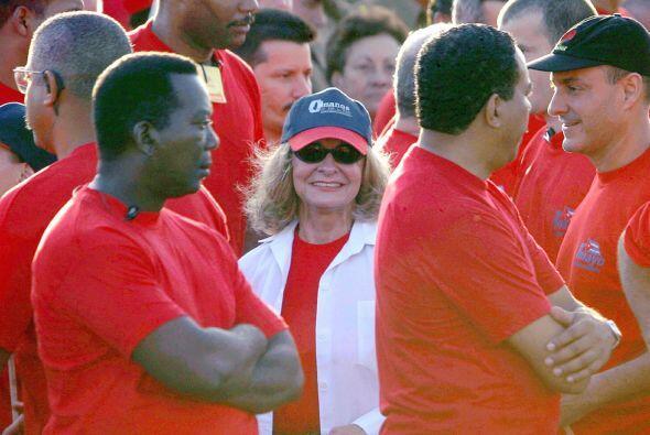 Dalia Soto del Valle escucha el discurso de Fidel Castro durante el Día...