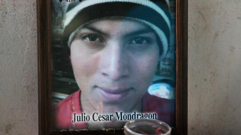 Julio César Mondragón, joven asesinado en Iguala