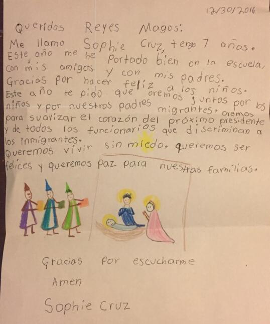 """La niña Sophie Cruz pide en su carta orar para """"suavizar"""" el corazón del..."""