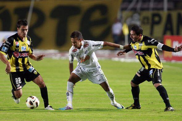 Por otra parte el Santos de Neymar, el astro que brilló en el Torneo Sub...