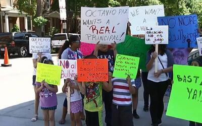'Chicago en un Minuto': padres y estudiantes de escuela Octavio Paz prot...