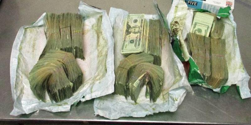 Casi 70,000 dólares en efectivo, de presunta procedencia ilícita, fueron...