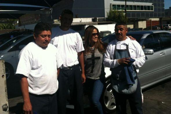 Jackie Guerrido llevó a lavar su auto.