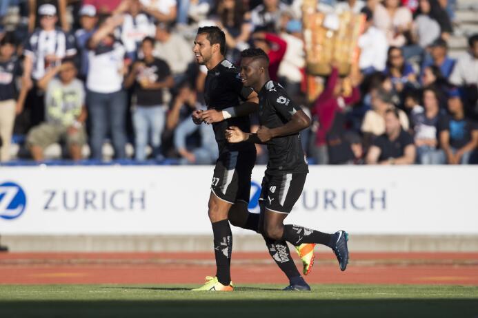 En fotos: Lobos BUAP sorprendió 2-1 al líder Monterrey  gol-aviles-hurta...