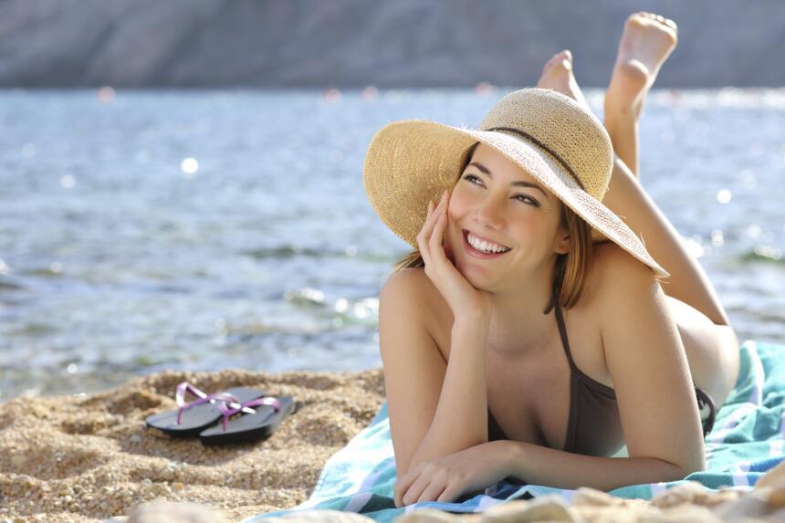 Aplica el protector solar con regularidad. Lo ideal es hacerlo cada dos...