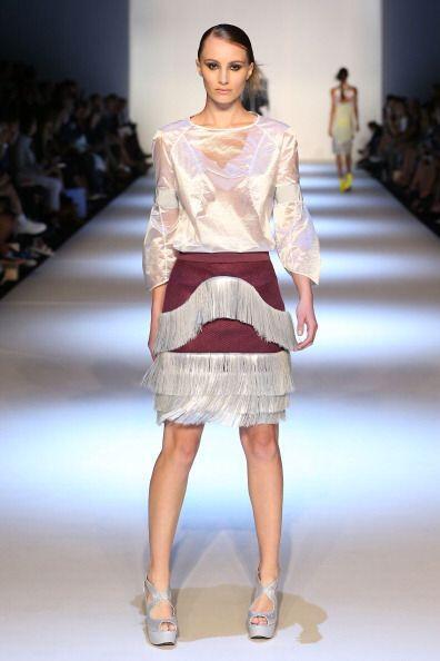 Los flecos en telas distintas al cuero permitirán que chicas de estilo r...