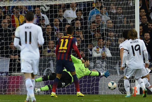 Hasta que 'La Pulga' volvió a hacer de las suyas en el Bernabéu, al esca...