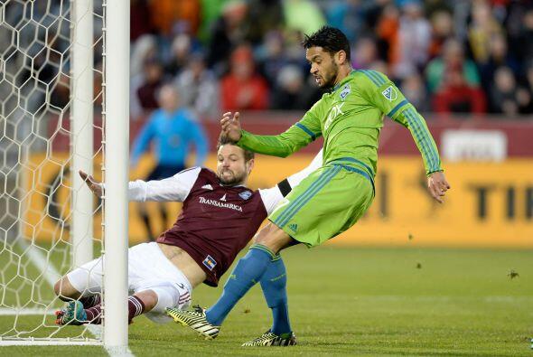 LAMAR NEAGLE (MED): Anotó dos goles para darle la victoria a Seattle por...