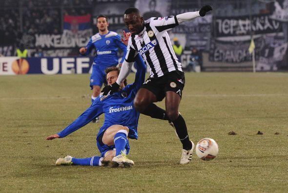 Por último, Udinese y el PAOK Salonika tuvieron un partido de lo más reñ...