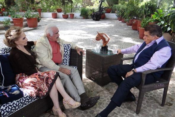 El famoso 'Charro de Huentitán', junto a su esposa 'Cuquita', pla...