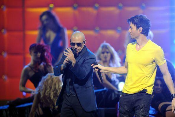 21. Duetos con Pitbull. Además de las exitosas giras, los duetos que hac...