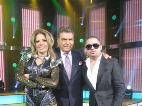 Los cantantes Gloria Trevi y Larry Hernández visitaron a Don Fran...