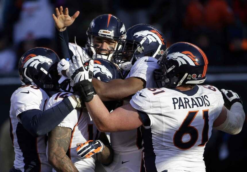 Brock Osweiler debutó como quarterback titular en la NFL durante su cump...