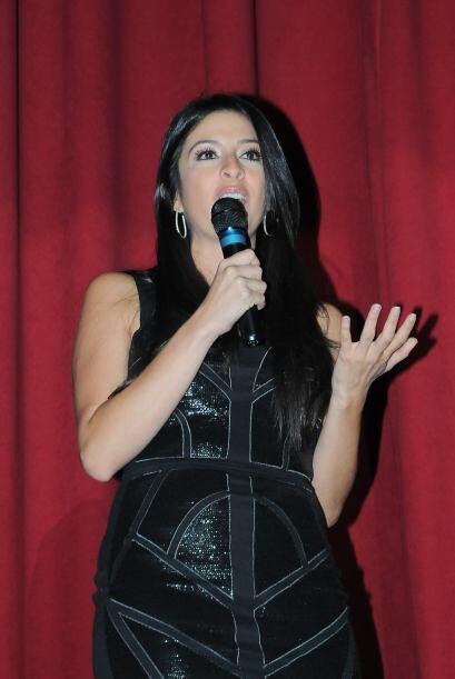 Durante su viaje a Honduras, Maity Interiano apoyó al Club de Drama de l...