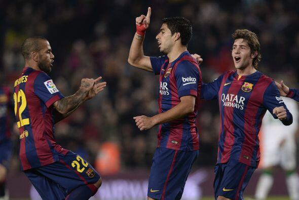 Luis Suárez colocaba el 2-0 con gran clase pintando una diagonal y envia...
