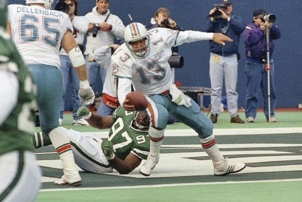 6. Dan Marino - 521 yardas: Miami Dolphins vs. New York Jets, 23 de octu...