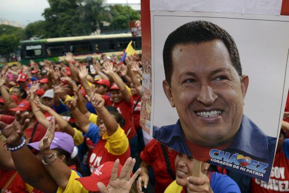 4 de febrero 2013 Chávez lamentó en una carta no estar presente en el 21...