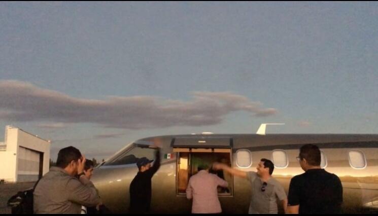 avion privado de julión álvarez
