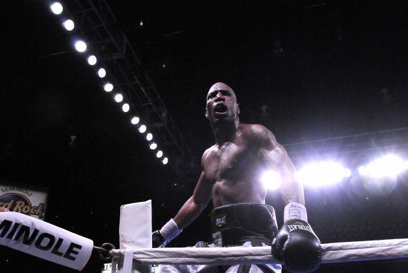 Yunieski González resolvió con poder una pelea complicada.