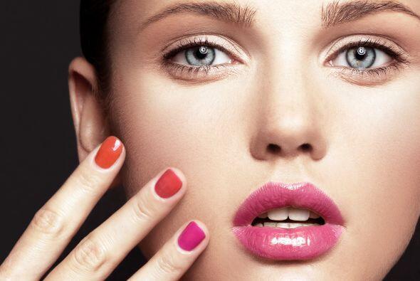 Tez clara. Si tu piel es muy clara, pintar tus labios de fucsia ¡te hará...