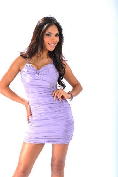 Alejandra Espinoza nació en Tijuana, México un 27 de marzo. Desde pequeñ...