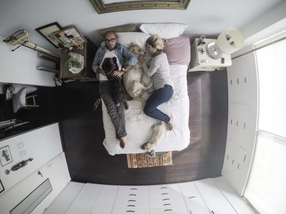 ¿Invitarías a un desconocido a tu cama? G1892243.jpg