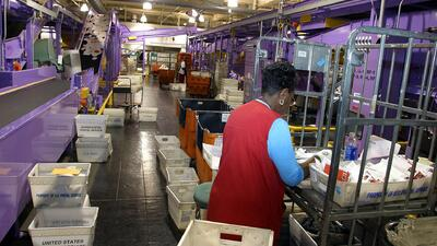 Servicio postal entregaría cerca de 750 millones de paquetes antes de la Navidad