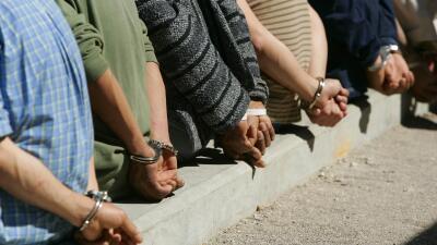 La decisión del fiscal Sessions de reactivar casos de deportación cancel...