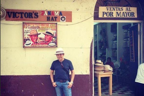 Raul Brindis tuvo oportunidad de viajar a diferentes lugares durante el...